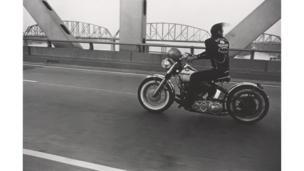 Danny Lyon (1942), Atravesando el río Ohio, Louisville, 1966