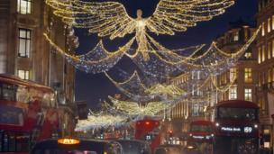 在英国伦敦摄政街的圣诞灯饰