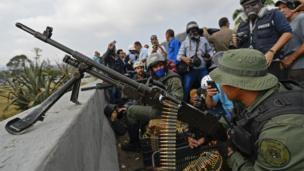 Militares en Altamira