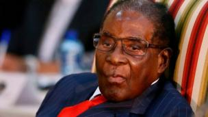 Un pasteur revient sur sa prophétie après son arrestation. Il avait annoncé la mort du président du Zimbabwé, Robert Mugabe pour cette semaine.