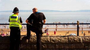 five-o fools overlookin beach