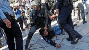درگیری پلیس اسرائیل با معترضان فلسطینی در بخش قدیم بیتالمقدس