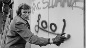 Albert Finney with spray can March, 1975