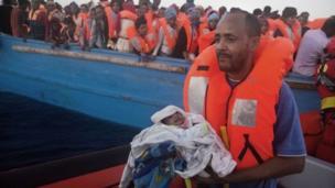 لاجئين في عرض البحر