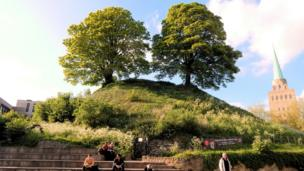 Deborah Axtell: Oxford's Castle Mound