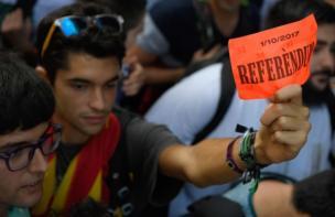 Katalan hükümeti, İspanya hükümetinin tepkisine rağmen 1 Ekim tarihinde bir bağımsızlık referandumu düzenlemeyi planlıyor.