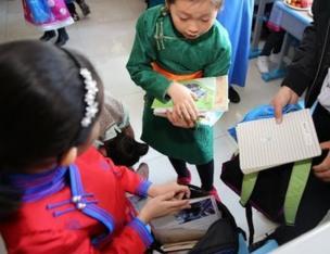 内蒙古新的双语教学政策计划从小学一年级开始加大国家通用语言教学力度