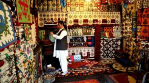 The market in famous Afghan rugs and carpets is also in crisis. This shop used to sell handmade rugs and felt carpets at premium prices, but foreign custom has dwindled