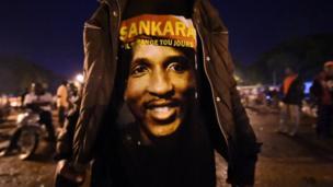 • 21 décembre 1949, Thomas Noël Isidore Sankara naît en République de Haute-Volta