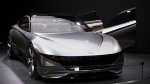 Chiếc Hyundai 'Le Fil Rouge' dạng concept car tại Paris Motor Show ở Parc des Expositions, Porte de Versailles hôm 02/10/2018.