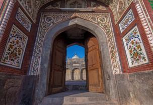 شاهي مسجد، چنیوټ