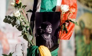 صورة للناشطة الراحلة ويني مانديلا