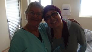 Teresa Cofré con su mamá