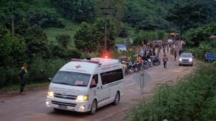 Una ambulancia.