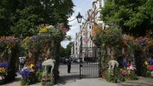 """Gateway to the Garden Safari"" designed by Simon Lycett"