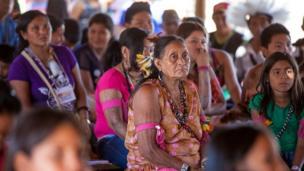 سيدة من سكان سينتا لارغا الأصليين.