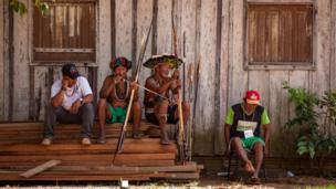 تعيش المجموعة في منطقة روزفيلت الأصلية بين ولايتي روندونيا وماتو غروسو.