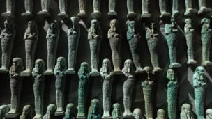 تماثيل أوشابتي