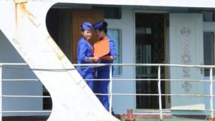वोंसन आणि जपानच्या निगाटा बंदरादरम्यान वाहतुकीसाठी अशा जहाजांचा वापर केला जातो. 2006 साली आंतरराष्ट्रीय निर्बंधांमुळे ही वाहतूक बंद आहे. परंतु, वोंसनमध्ये वाहतूक सुरू आहे.