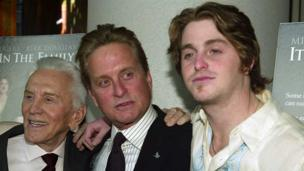 Kirk Douglas with son Michael and grandson Cameron in 2003
