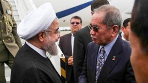 ورود رییس جمهور به فرودگاه کوالالامپور مالزی