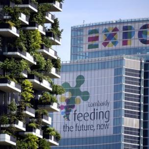 Công trình 'Vertical Forest' tạo hai tòa nhà 27 tầng trồng cây từ trên xuống dưới ở Milan của công ty kiến trúc Boeri Studio