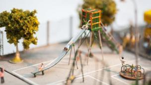 戶外遊樂場的微縮模型