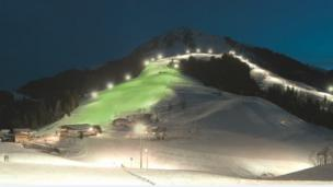 В Австрії була зелена смуга на гірськолижному схилі.