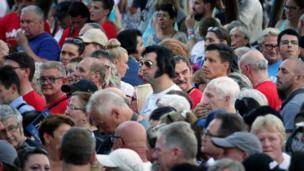 تجمع الآلاف في مناسبة إحياء الذكرى الأربعين لوفاة إلفيس بريسلي