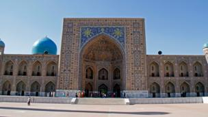 مسجد و مدرسه طلاکاری