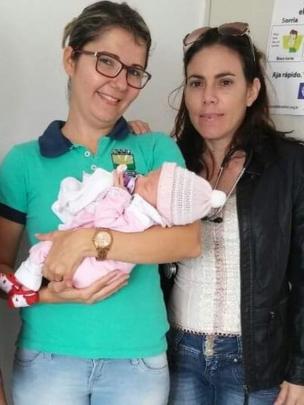 Yulia Molina y su enfermera