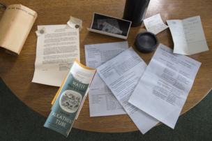 documentos hallados durante los trabajos de conservación