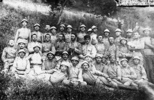 Gəncə yunkerlər məktəbinin zabit və kursantları