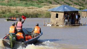 TQ và Campuchia tập tuần tra cứu trợ nhân đạo ở tỉnh Kampong Speu