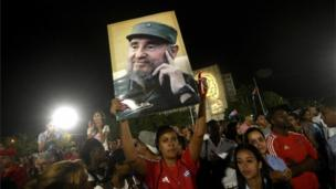 People participate in a massive rally at Revolution Square in Havana in honour of late leader Fidel Castro (29 November 2016)