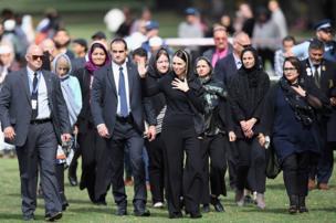 نخست وزیر نیوزیلند پس از شرکت در نماز مسلمانان در کرایست چرچ