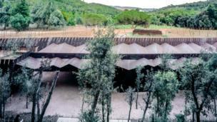Это винодельня Белл-Ллок в муниципалитете Паламос, Испания
