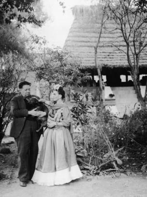 Rivera e Kahlo se casaram duas vezes e tiveram relação conturbada, marcada por traições e declarações de amor