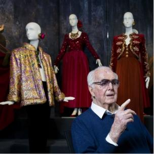 2016 shot of Hubert de Givenchy at a 2016 retrospective exhibition of his work