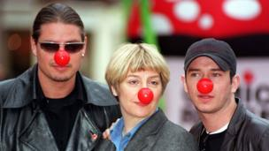 Victoria Wood with Keith Duffy (l) and Stephen Gately (r)