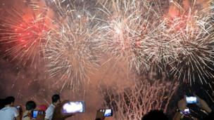 Tahun baru, kembang api, Manila, Filipina