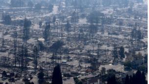 Más de 30.000 residentes fueron evacuados y unas 30.000 hectáreas de terreno quedaron arrasadas por las llamas.