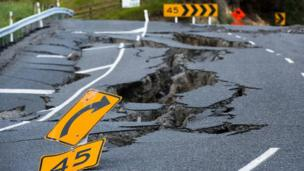 Damage State Highway 1 north of Kaikoura, New Zealand (16 Nov 2016)
