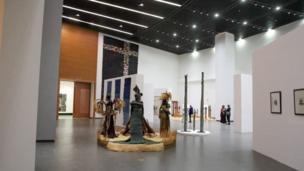 Le Musée des Civilisations Noires a changé le paysage du centre-ville de Dakar.