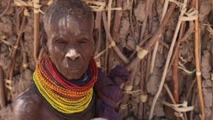 Mama Lakunyiko Emankor mwenye umri wa miaka 60 ni mkaazi wa kijiji cha Lotukumo katika eneo la Turkana ambalo linakabiliwa na njaa.