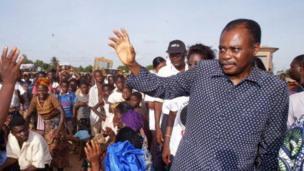 Édouard Kodjovi Kodjo dit Edem Kodjo a été secrétaire général de l'Organisation de l'unité africaine (OUA) de 1978 à 1983. Il a également été Premier ministre du Togo à deux reprises et médiateur dans plusieurs crise sur le continent.