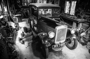 in_pictures Vintage garage