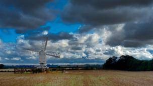 The windmill at Bloxham Grove