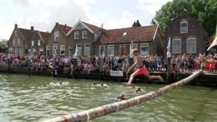 Log running in Holland