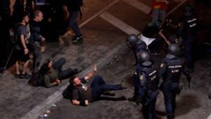 Protestas en Barcelona luego de la sentencia a los separatistas.